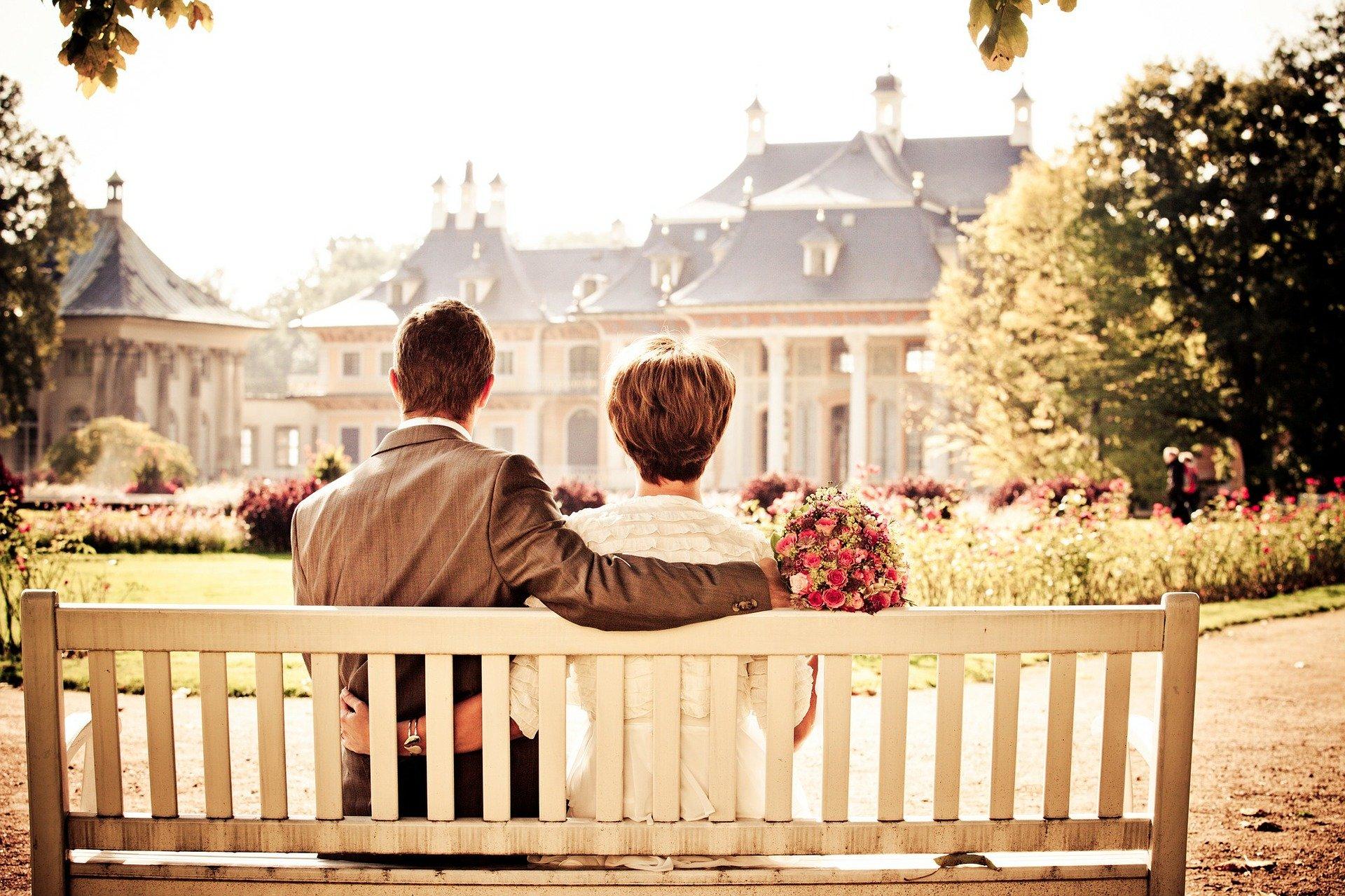 couple-260899_1920